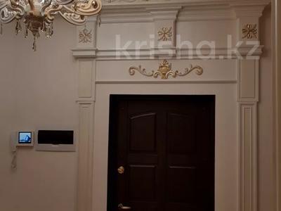 4-комнатная квартира, 170 м², 3/6 этаж помесячно, Калдаякова 2 за 685 000 〒 в Нур-Султане (Астана), Алматинский р-н — фото 2