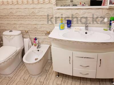4-комнатная квартира, 170 м², 3/6 этаж помесячно, Калдаякова 2 за 685 000 〒 в Нур-Султане (Астана), Алматинский р-н — фото 19