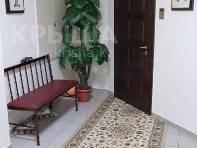 4-комнатная квартира, 170 м², 3/6 этаж помесячно, Калдаякова 2 за 685 000 〒 в Нур-Султане (Астана), Алматинский р-н — фото 43