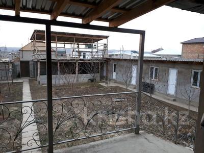 9-комнатный дом, 197.8 м², 8 сот., Массив Барысхан ул.Жетитобе 16 за 25 млн 〒 в Таразе — фото 2