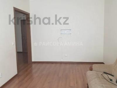 3-комнатная квартира, 85 м², 5/9 этаж, Иманбаевой 2 за 31 млн 〒 в Нур-Султане (Астана), р-н Байконур — фото 9