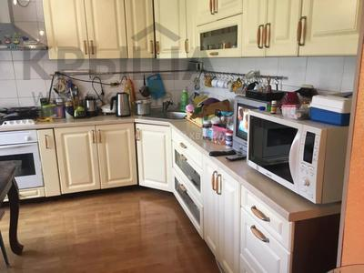 4-комнатная квартира, 97 м², 3/5 этаж, Гоголя 46/3 — Абдирова за 29 млн 〒 в Караганде, Казыбек би р-н — фото 4
