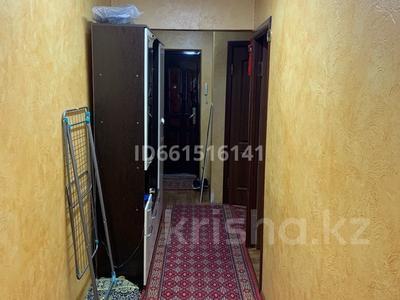 3-комнатная квартира, 56 м², 4/5 этаж, мкр Айнабулак-3 120 — ул. Макатаева за 22 млн 〒 в Алматы, Жетысуский р-н — фото 2