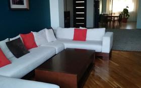 3-комнатная квартира, 130 м², 7/10 этаж, 14-й мкр 58 за 68 млн 〒 в Актау, 14-й мкр