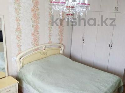 1-комнатная квартира, 40 м² посуточно, мкр №6 3 — Абая Алтынсарина ( Правды) за 5 000 〒 в Алматы, Ауэзовский р-н