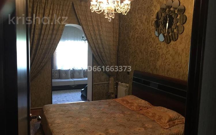 5-комнатная квартира, 120 м², 1/5 этаж, 21 мкр за 30 млн 〒 в Шымкенте, Аль-Фарабийский р-н