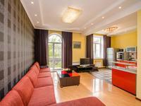 2-комнатная квартира, 65 м², 4/4 этаж помесячно
