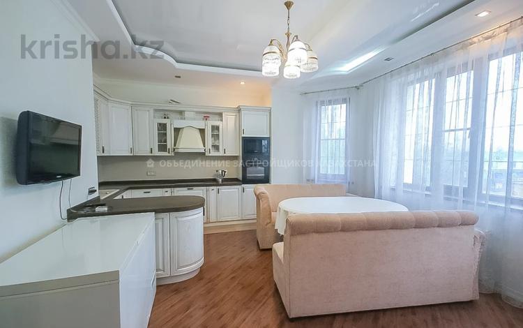 2-комнатная квартира, 96 м², 2/6 этаж, Кайыма Мухамедханова 7 за 52 млн 〒 в Нур-Султане (Астана), Есиль р-н