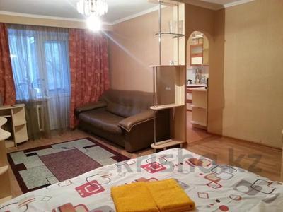 1-комнатная квартира, 35 м², 3/5 этаж посуточно, Абая 99 — Шагабутдинова за 8 000 〒 в Алматы, Алмалинский р-н