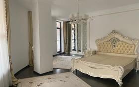 3-комнатная квартира, 155 м², 7/7 этаж помесячно, мкр Самал-1, Кажымукана за 500 000 〒 в Алматы, Медеуский р-н