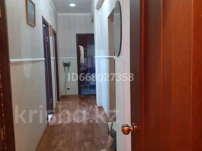 2-комнатная квартира, 56 м², 6/6 этаж, мкр Нурсая 64 за 14.5 млн 〒 в Атырау, мкр Нурсая