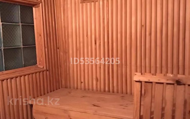 6-комнатный дом, 200 м², 10 сот., Мкикрорайн Туркестан 1 за 35 млн 〒 в Шымкенте, Аль-Фарабийский р-н