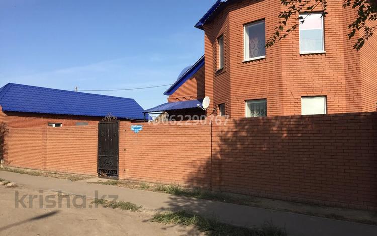 4-комнатный дом, 170 м², 5 сот., Карбышева 67/1 за 35 млн 〒 в Уральске
