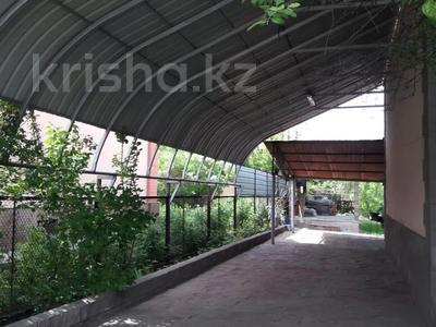 5-комнатный дом, 190 м², 8.44 сот., мкр Калкаман-2, Райымбека Сейтметова 94 за 39.5 млн 〒 в Алматы, Наурызбайский р-н — фото 11