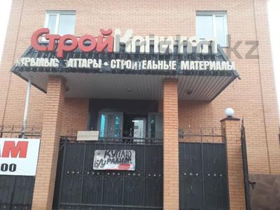Магазин площадью 500 м², Камзина 212 — Амангельды за 90 млн 〒 в Павлодаре