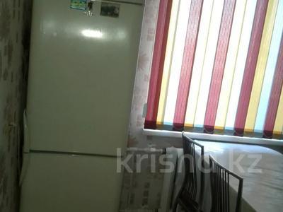 1-комнатная квартира, 35 м², 2/9 этаж посуточно, 11 мкр 80 за 5 000 〒 в Актобе — фото 2