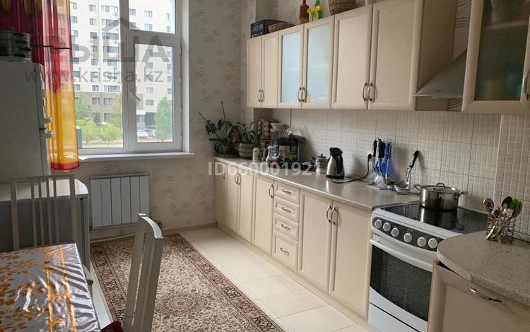 2-комнатная квартира, 80 м², 2/10 этаж помесячно, Сарайшык 34 за 160 000 〒 в Нур-Султане (Астана), Есиль р-н
