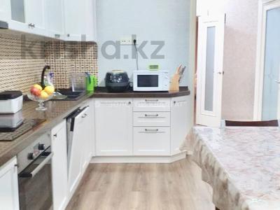 3-комнатная квартира, 103 м², 2/10 этаж, Туркестан 10 за 43.5 млн 〒 в Нур-Султане (Астана), Есиль р-н — фото 9