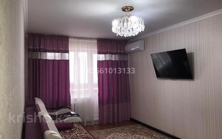 2-комнатная квартира, 54 м², 7/9 этаж, 12 мкр 30 за 12 млн 〒 в Актобе, мкр 12