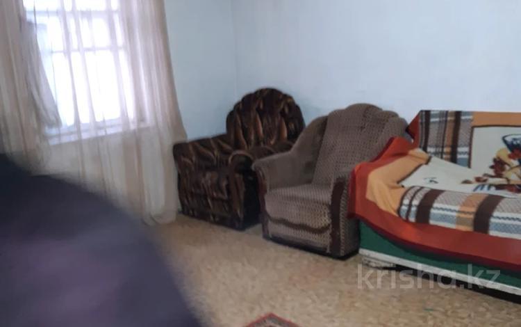 3-комнатный дом, 65 м², 5 сот., Молодогвардейская улица 87 за 5 млн 〒 в Семее