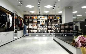 Магазин площадью 450 м², Шевченко — Муканова за 350 млн 〒 в Алматы