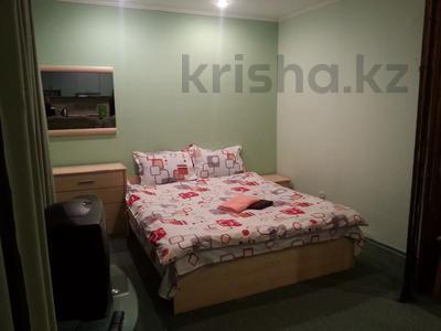 1-комнатная квартира, 35 м², 3/5 этаж посуточно, Сейфуллина 512 — Джамбула за 5 000 〒 в Алматы, Алмалинский р-н