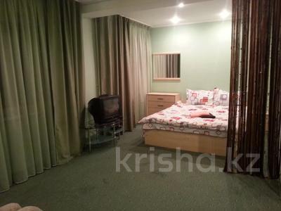 1-комнатная квартира, 35 м², 3/5 этаж посуточно, Сейфуллина 512 — Джамбула за 5 000 〒 в Алматы, Алмалинский р-н — фото 2