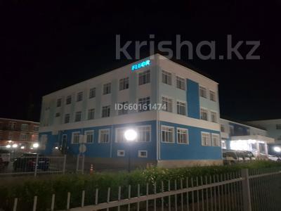 3-комнатная квартира, 127 м², 1/3 этаж помесячно, Абылхаир хана 7 за 300 000 〒 в Атырау — фото 2
