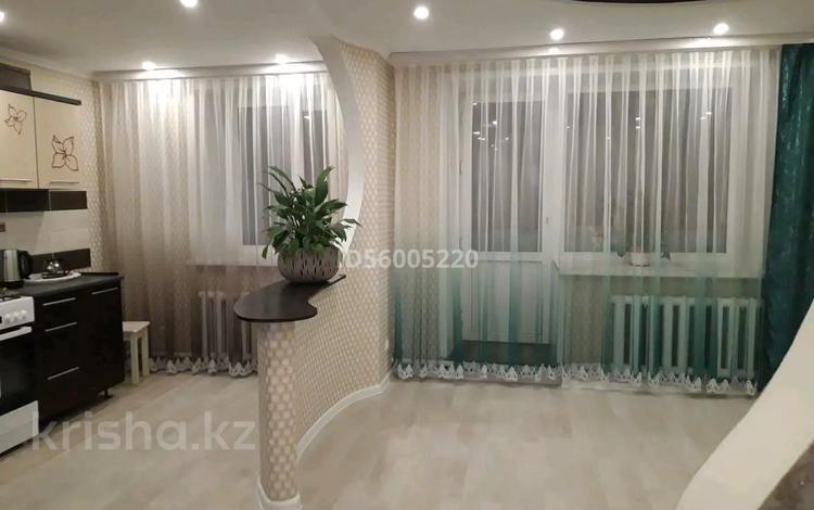 2-комнатная квартира, 51 м², 1/2 этаж, Туристическая 118 за 8.5 млн 〒 в Семее