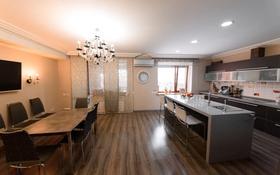 10-комнатный дом, 360 м², 4 сот., Муканова за ~ 91.2 млн 〒 в Караганде