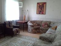 4-комнатный дом помесячно, 140 м², 6 сот.