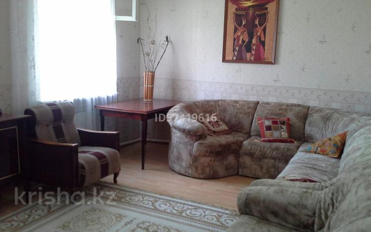 4-комнатный дом помесячно, 140 м², 6 сот., Асылбекова 10 — Переулок Курманова за 140 000 〒 в Жезказгане