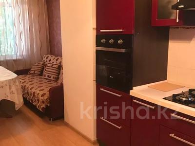 2-комнатная квартира, 70 м², 1/5 этаж, Лободы 3а — Бухар Жырау за 28.5 млн 〒 в Караганде, Казыбек би р-н — фото 2