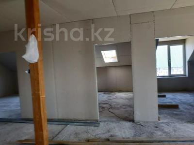 7-комнатный дом, 330 м², 8 сот., Улица Самал 84 за 32 млн 〒 в Боралдае (Бурундай) — фото 9