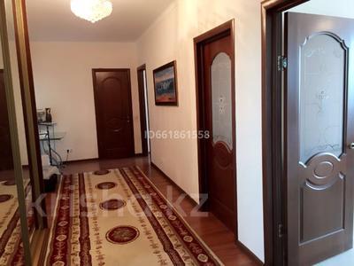 2-комнатная квартира, 70 м², 8/12 этаж, Тлендиева 15/1 за 20 млн 〒 в Нур-Султане (Астана), Сарыарка р-н