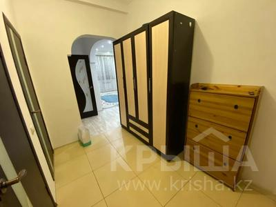 2-комнатная квартира, 80 м², 7/9 этаж помесячно, Шохана Уалиханова 13Б за 250 000 〒 в Атырау — фото 3
