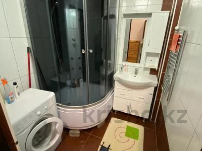 2-комнатная квартира, 80 м², 7/9 этаж помесячно, Шохана Уалиханова 13Б за 250 000 〒 в Атырау — фото 5