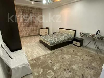 2-комнатная квартира, 80 м², 7/9 этаж помесячно, Шохана Уалиханова 13Б за 250 000 〒 в Атырау — фото 11