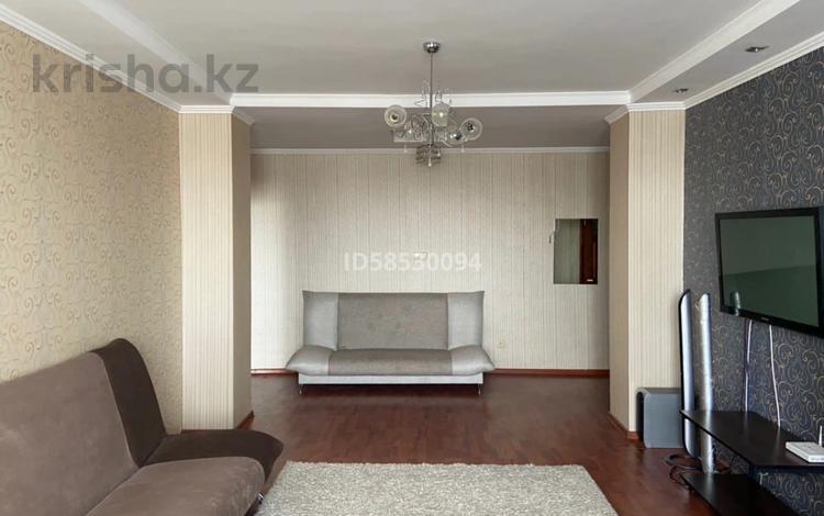 2-комнатная квартира, 80 м², 9/16 этаж, Иманова 26 за 24 млн 〒 в Нур-Султане (Астана), р-н Байконур