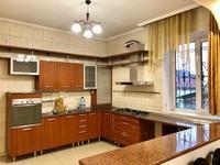 5-комнатный дом помесячно, 270 м², 7 сот.