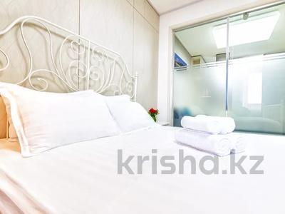 1-комнатная квартира, 45 м², 24/28 этаж посуточно, Кошкарбаева 10/1 — Тауелсиздык за 15 000 〒 в Нур-Султане (Астана) — фото 3