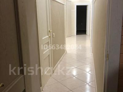 6-комнатный дом, 240 м², 9 сот., Мицкевича 14 за 64 млн 〒 в Кокшетау