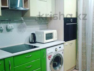 1-комнатная квартира, 38 м², 2/9 этаж посуточно, Жаяу Мусы 1 — Кутузова за 5 500 〒 в Павлодаре