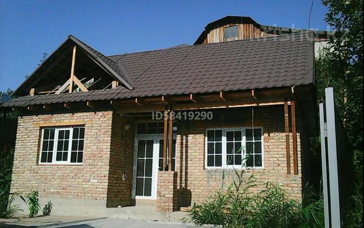 3-комнатный дом, 72 м², 2 сот., Рахымбай ханалы 22а — Жандосова за 17 млн 〒 в Алматы