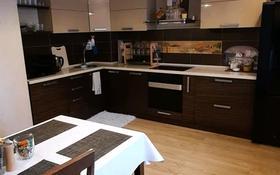 3-комнатная квартира, 100 м², 4/10 этаж помесячно, проспект Сатпаева 36/1 за 300 000 〒 в Усть-Каменогорске