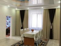 6-комнатный дом на длительный срок, 180 м², 10 сот., Тихоненко 110 за 650 000 〒 в Аксае
