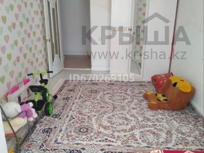 2-комнатная квартира, 66 м², 4/10 этаж, мкр 12 45д — Аль-фараби/Богенбай батыра за 18.5 млн 〒 в Актобе, мкр 12