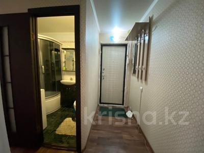 3-комнатная квартира, 65 м², 2/5 этаж посуточно, Мухита 129 за 11 999 〒 в Уральске — фото 8