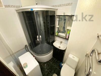 3-комнатная квартира, 65 м², 2/5 этаж посуточно, Мухита 129 за 11 999 〒 в Уральске — фото 9
