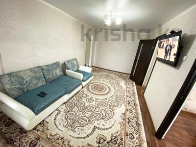 3-комнатная квартира, 65 м², 2/5 этаж посуточно, Мухита 129 за 11 999 〒 в Уральске — фото 4